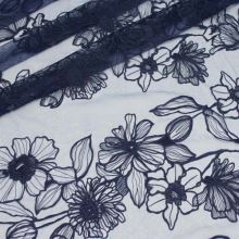 Tyl tmavomodrý, kvetinová výšivka, š.130/150