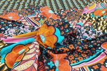 Úplet černý, barevný květinový vzor š.145