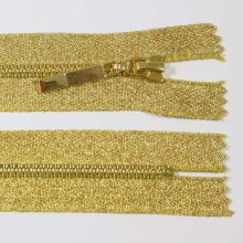 Zip kostěný 4mm délka 18cm, barva 032 (nedělitelný)