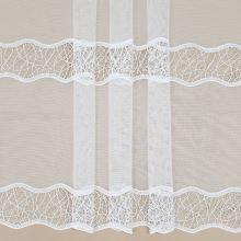 Záclona opticky biela s čipkovou bordúrou, v.145cm