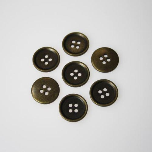 Knoflík mosaz K28-6, průměr 18 mm.