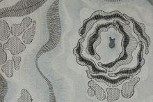 Taft bílý, vyšívaný květ š.140