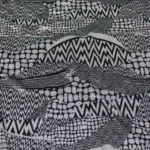 Úplet biely 17298, čierny vzor š.150