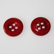 Gombík červený K24-9, priemer 15 mm.