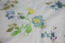 Šatovka světle modrá, barevný květ, výšivka š.140