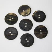 Gombík perleťový tmavý K32-11, priemer 20 mm.