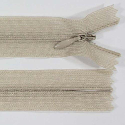 Zip skrytý šatový 3mm délka 18cm, barva 307