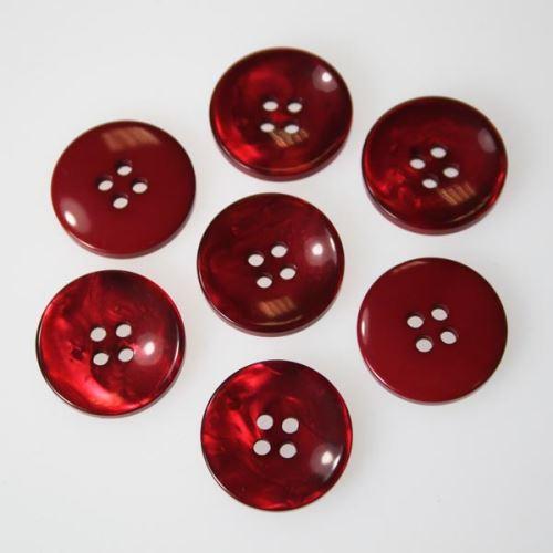 Gombík červený K32-3, priemer 20 mm.