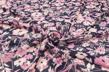 Šifon N5136 tmavě modrý, růžové květy, š.145