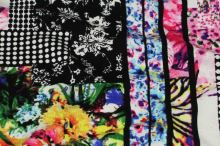 Úplet barevný 17775, květiny a obdélníky, š.150