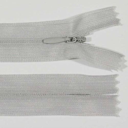 Zips skrytý šatový 3mm dĺžka 25cm, farba 780