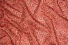 Organza hnedá, oranžovo-červená výšivka š.145