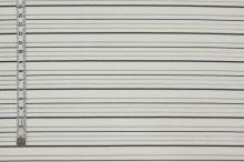 Košeľovina biela, čierny pruh, š.155