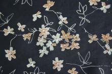Hedvábí černé, béžový květ š.135