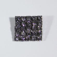 Gombík štrasový K10C, 19x18