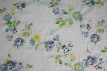 Šatovka svetlo modrá, farebný kvet, výšivka š.140