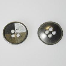 Knoflík stříbrný K24-7, průměr 15 mm.