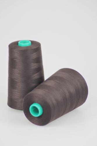 Nit KORALLI polyesterová 120, 5000Y, odstín 8600, hnědá