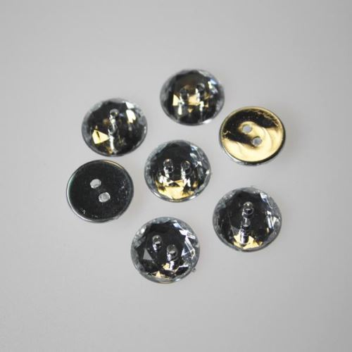 Gombík brúsený K24-1, priemer 15 mm.
