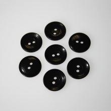 Knoflík černý K28-9, průměr 18 mm.