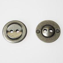 Knoflík stříbrný K28-4, průměr 18 mm.