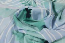 Šatovka modrá krep, zelený květ, š.145