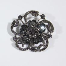 Štrasová ozdoba K18A, brošňa kvet