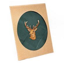Pánska kapesník s výšivkou, jeleň
