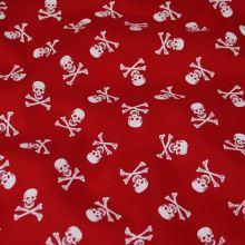 Bavlna červená, bílé lebky, š.140