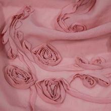 Šifon růžový, našitý vzor růží, š.140(130)