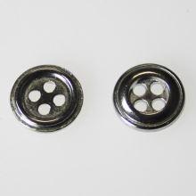 Knoflík stříbrný K18-3, průměr 11,5 mm.