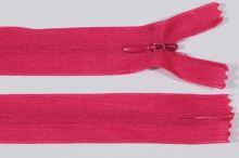 Zip skrytý šatový 3mm délka 20cm, barva 145