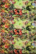 Satén zelený, červeno-zelené květy, š.145