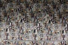 Satén šedo-béžová písmena š.150