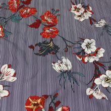 Šatovka modro-bílý proužek, květy, š.140