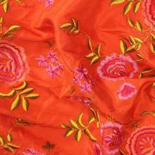 Taft oranžový výšivka kvety š.145