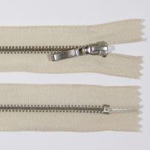 Zip kovový 4mm chrom délka 10cm, barva 307