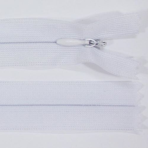 Zip skrytý šatový 3mm délka 30cm, barva 101