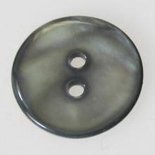 Knoflík perleťový K32-13, průměr 20 mm.