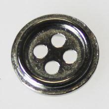 Gombík strieborný K18-3, priemer 11,5 mm.