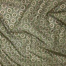 Organza hnedá, zelená výšivka š.140
