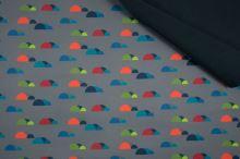 Softshell šedý, farebné obláčiky, š.145