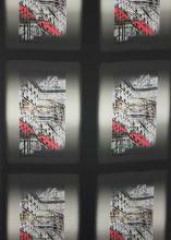 Satén foto, červený vzor, š.140