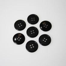 Knoflík černý K28-1, průměr 18 mm.