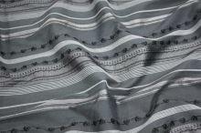 Košilovina šedá, černý pruh š.160
