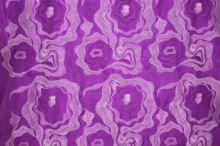 Taft fialový, vyšívaný velký květ š.140