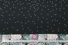 Úplet černý, barevné květy a bílé puntíky, š.175