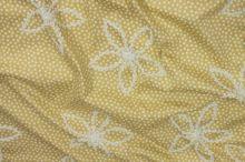 Bavlna béžová, výšivka - bílé květy š.130