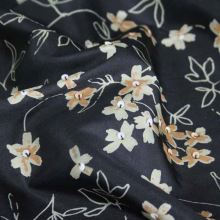 Hodváb čierne, béžový kvet š.135