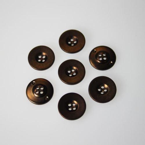 Knoflík bronzový K24-6, průměr 15 mm.